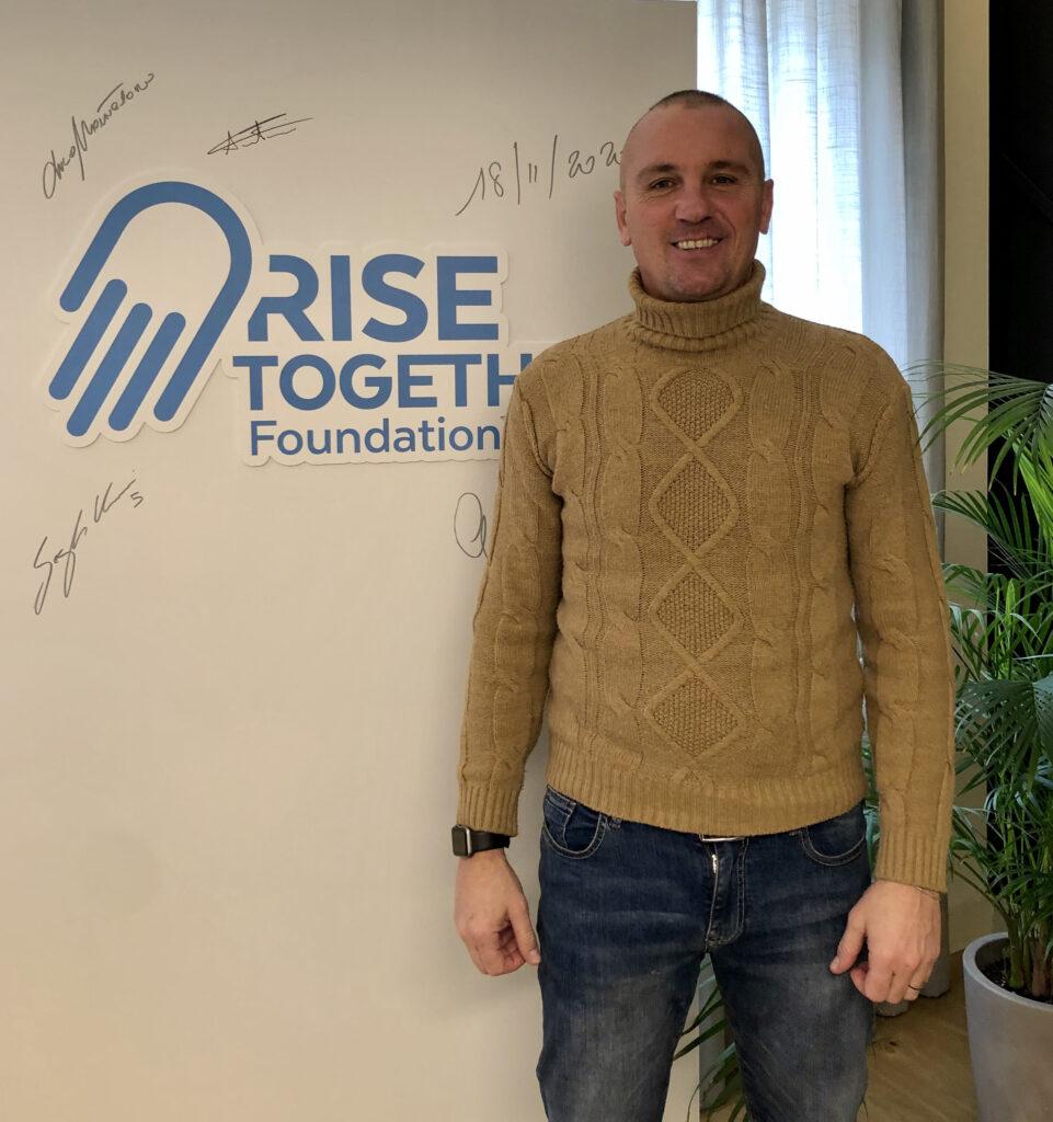 Asta benefica magliette Rise together Foundation